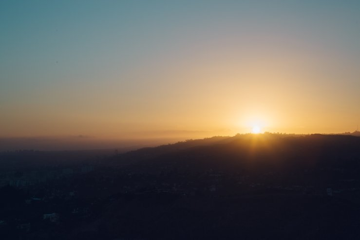 sunrise-on-the-hills-above-los-angeles